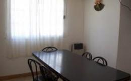 Complejo-Rayquen-Las-Grutas-Duplex-6-pax-comedor