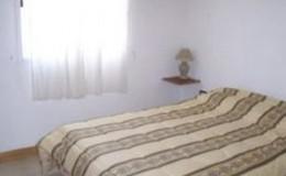 Complejo-Rayquen-Las-Grutas-Duplex-6-pax-dormitorio-matrimonial
