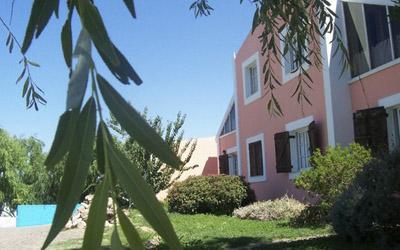 Complejo-Rayquen-Las-Grutas-Duplex-6-pax-fachada